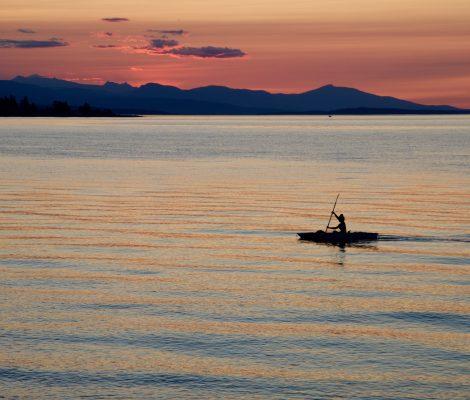 coucher de soleil avec kayakiste